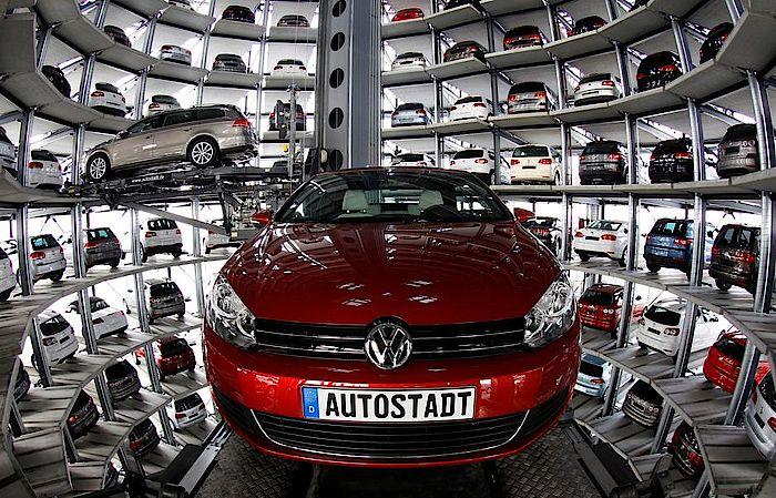 Krisengeplagter Volkswagen-Konzern streicht in Deutschland
